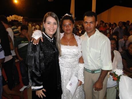 juíza Mirella Freitas e casal em Paraibano