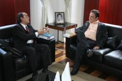 Des. Cleones Cunha ouve promotor Fernando Barreto sobre instalação da Vara de Interesses Difusos e Coletivos