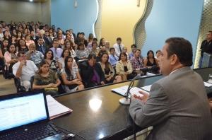 O corregedor-geral, desembargador Cleones Cunha, conduziu a posse dos novos cartorários (Foto: Ribamar Pinheiro)