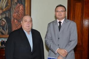 Desembargador Guerreiro Júnior empossou o juiz João Pereira Neto (Foto: Ribamar Pinheiro)