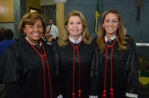 Cleonice Freire (C), Nelma Sarney (D) e Anildes Cruz (E) estarão no comando do Judiciário no biênio 2014/2015 (Foto: Ribamar Pinheiro)