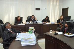 A desembargadora Angela Salazar em sua primeira sessão de julgamento (Foto: Ribamar Pinheiro)