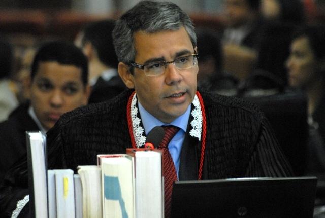 Desembargador Paulo Velten (relator) lembrou que a alega��o de ilegitimidade j� havia sido afastada pelo Tribunal em julgamento anterior
