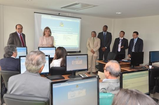 A presidente do TJMA disse que o objetivo � minimizar a burocracia e a demora no andamento dos processos (Foto:Ribamar Pinheiro)