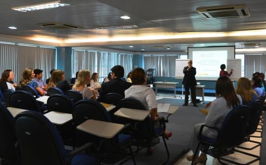 Juiz Jos� Torres durante aula no curso de forma��o. Foto: Asscom TRE-MA