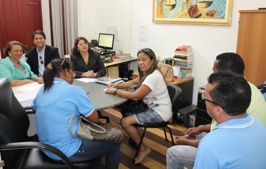 Foto: juízas se reuniram com moradores da Cidade Olímpica