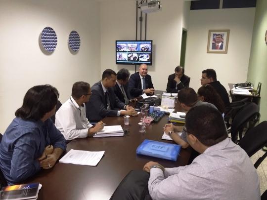 Na reuni�o, foi proposta a cria��o de grupo de trabalho para a elabora��o do 1� Mutir�o de Sa�de Mental do Estado do Maranh�o