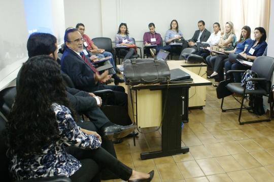 O desembargador José Luiz Almeida falou aos participantes sobre a implantação de uma cultura de paz na sociedade