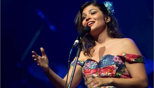 O Esmam Cultural iniciar� �s 17h e ser� encerrado com show da cantora Fl�via Bittencourt
