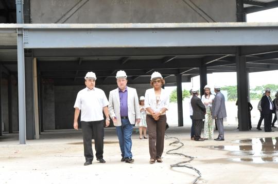 O presidente do TJMA e a corregedora-geral da Justiça visitaram as obras do futuro fórum de Imperatriz.Foto/Ribamar Pinheiro