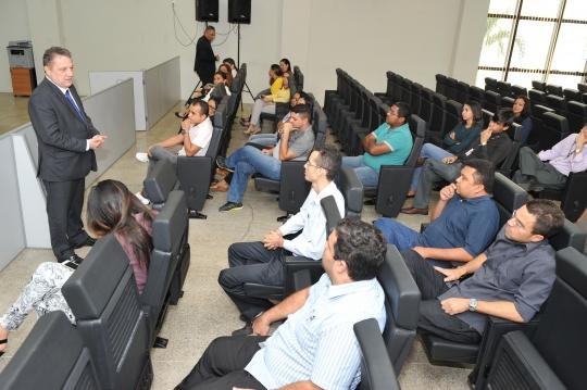 A reuni�o tratou de assuntos pertinentes aos servidores do Judici�rio (Foto: Ribamar Pinheiro)