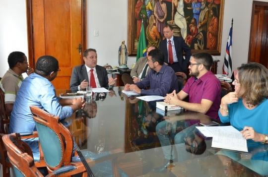 A reunião ocorreu no gabinete da Presidência