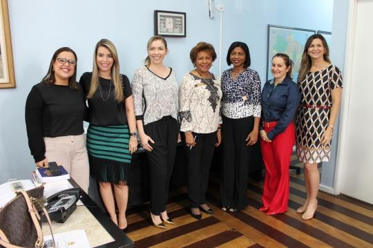 Magistradas presentes na reunião que discutiu a Semana da Mulher