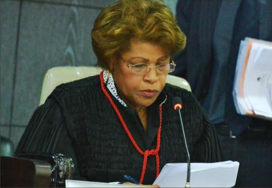 Corregedora Anildes Cruz durante apresenta��o no Pleno do TJMA. (Foto: Ribamar Pinheiro).