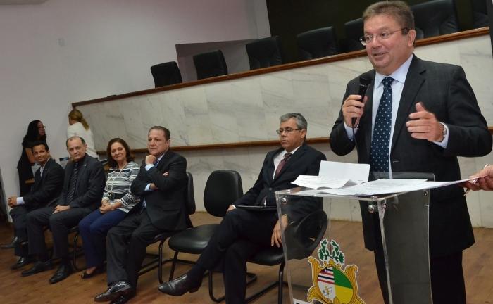 Des. Jamil Gedeon fala aos concludentes do curso de pós-graduação. Foto: Ribamar Pinheiro/TJMA