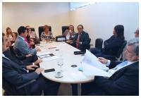 Corregedora Anildes Cruz ouve as avaliações do juiz Carlos Veloso.