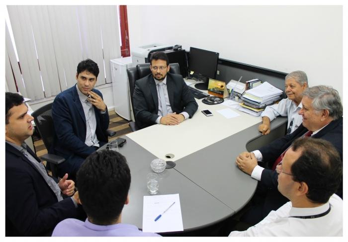 Juiz Gladiston Cutrim preside reunião com representantes de Instituições parceiras e servidores da CGJ.
