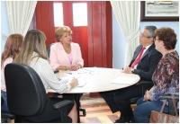 Corregedora Anildes Cruz com o diretor da ESMAM, desembargador Paulo Velten.