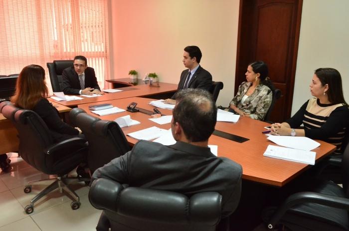 O juiz Nilo Ribeiro preside reunião do Comitê Gestor de Precatórios do MA. Foto: Ribamar Pinheiro/ TJMA