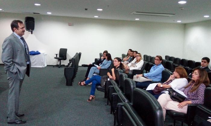 A reunião, realizada no Fórum de São Luís, foi conduzida pelo juiz Alexandre Abreu.