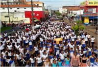 Cerca de 3 mil pessoas caminharam contra o abuso de crianças e adolescentes.