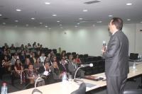 Ministro Reynaldo Fonseca profere palestra no auditório do Fórum de São Luís (Foto: Josy Lord)