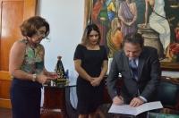 A posse ocorreu no Gabinete da Presidência (FOTO/Ribamar Pinheiro)