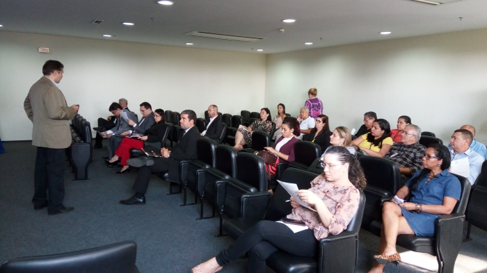 A reunião ocorreu no Fórum de São Luís, com a presença de membros do Núcleo de Solução de Conflitos e empresas (Foto: Ribamar Pinheiro)