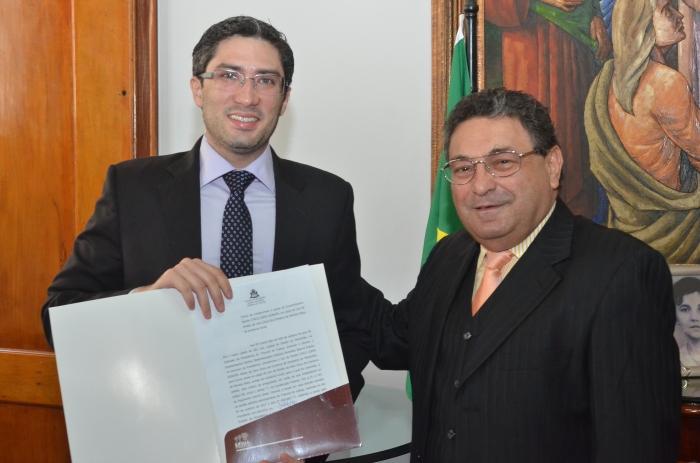 O decano do TJMA, desembargador Bayma Araújo,desejou sucesso ao magistrado na nova unidade judicial (Foto: Ribamar Pinheiro)