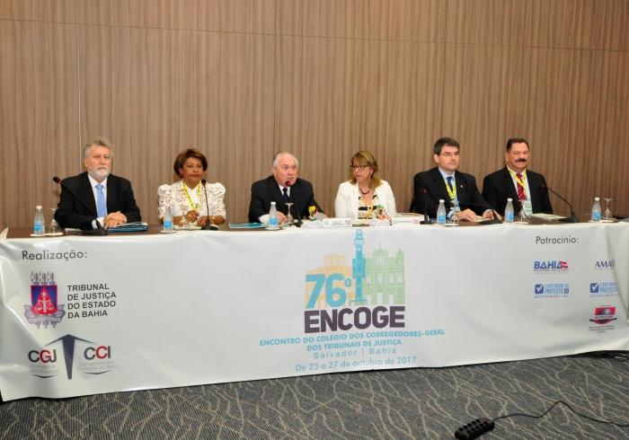 Corregedora Anildes Cruz, secretária do CCOGE, se despede da Comissão Executiva. (Foto: TJBA).