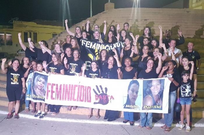 Mulheres na caminhada em Pedreiras