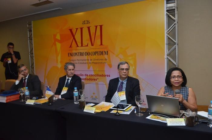 Desembargadora Daldice Maria Santana expõe sobre o papel do CNJ na formação de mediadores e conciliadores (Foto: Ribamar Pinheiro)