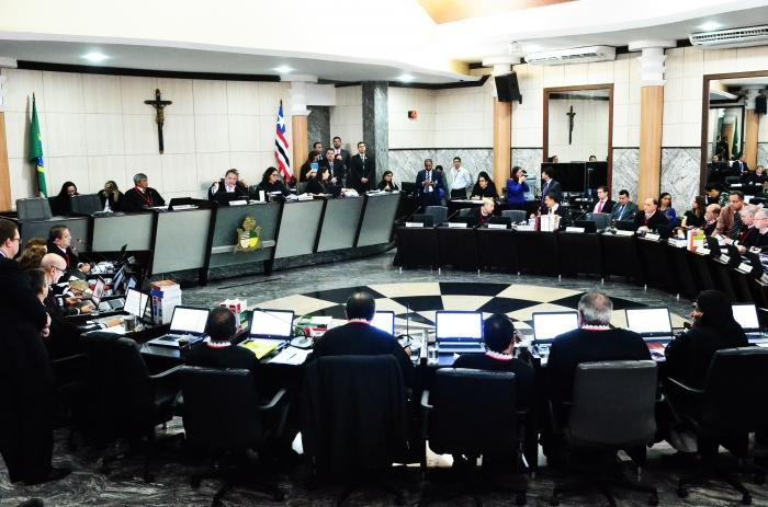 A eleição dos magistrados ocorreu em sessão plenária administrativa extraordinária do Tribunal de Justiça (Foto: Ribamar Pinheiro)