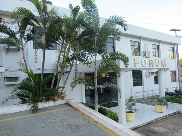 Fórum Desembargador Araújo Neto, em Pedreiras.