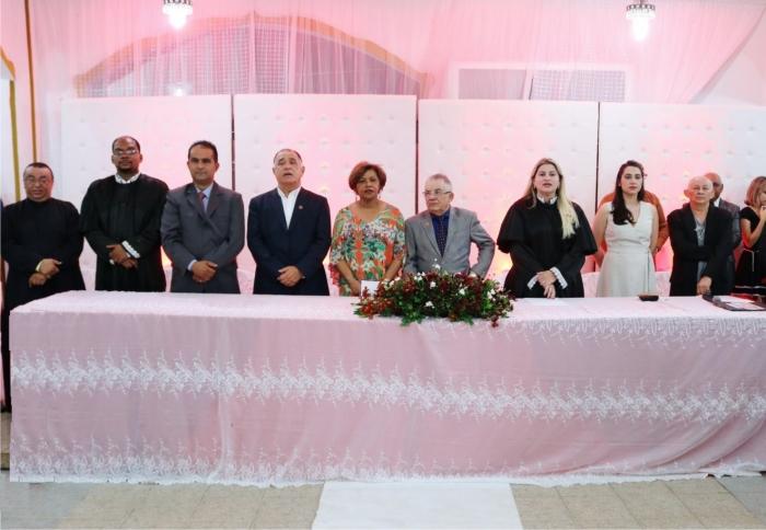 Autoridades durante abertura do casamento comunitário de Pedreiras.