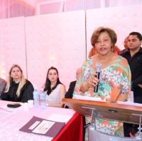 Desembargadora Anildes Cruz durante discurso de abertura.
