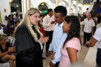 Juíza Larissa Tupinambá celebra união de casal durante casamento em Pedreiras.