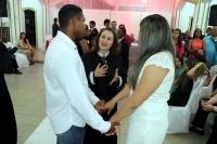 Juíza Sara Gama celebra união de casal durante casamento em Pedreiras.