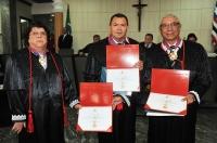 Os três novos desembargadores prestaram juramento e  assinaram o termo de posse no plenário do TJMA(Foto: Ribamar Pinheiro)