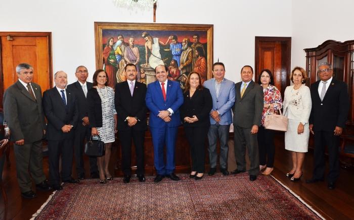 Des. José Joaquim Figueiredo dos Anjos recebe os membros do MPMA no gabinete da Presidência do TJ (Foto: Ribamar Pinheiro/TJMA)