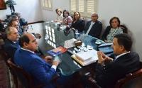 MEMBROS DO MP E PRESIDENTE DO TJMA CONVERSAM SOBRE PAUTA DE INTERESSE DAS DUAS INSTITUIÇÕES. FOTO: RIBAMAR PINHEIRO/TJMA