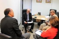 Juiz Edilson Caridade, diretor do fórum, apresenta demandas ao corregedor-geral.
