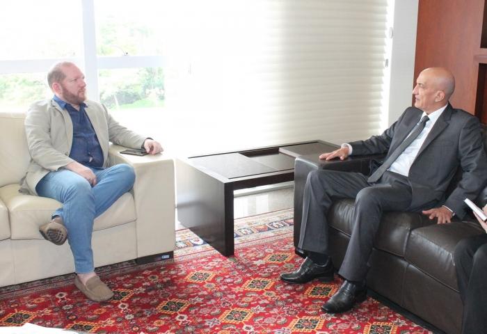 Corregedor solicitou apoio da TV Assembleia para veiculação de programa do Poder Judiciário (Foto: Josy Lord)