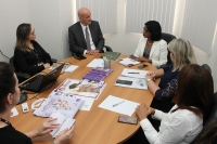 Corregedor-geral da Justiça conhece políticas de combate à violência desenvolvidas pela CEMULHER (Foto: Josy Lord)