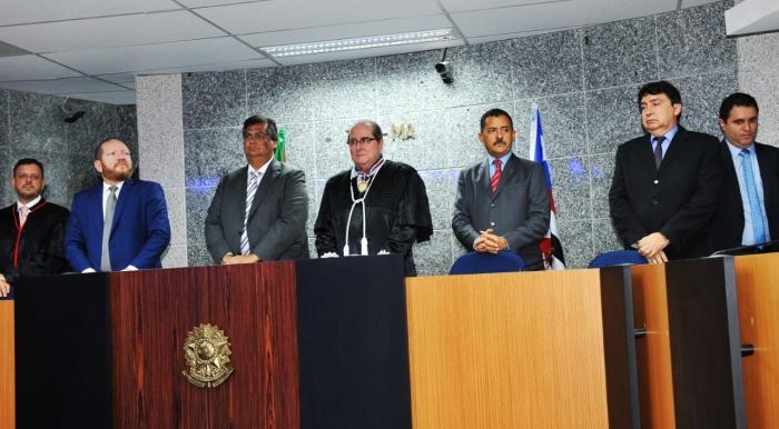 A posse teve a participação de autoridades dos três poderes (Foto Ribamar Pinheito)
