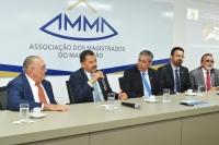 O presidente do TJMA, desembargador José Joaquim Figueiredo dos Anjos e o diretor da ESMAM, desembargador Paulo Velten, abriram as atividades de 2018 (Foto: Ribamar Pinheiro)