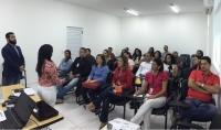 Os instrutores Washington Souza Coelho e Maria Isalete dos Santos Barreto (TJMA) acompanham as atividades desta fase