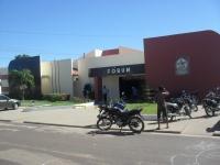 Fórum Desembargador Menezes Júnior, localizado na Rua Gonçalves Dias, s/n.º, Centro, em Coroatá.