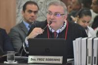 O voto do relator, desembargador Fróz Sobrinho, foi seguido pela maioria e determinou a improcedência da ADIN. Foto: Ribamar Pinheiro/ TJMA