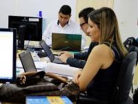 Juízes Rodrigo Nina e Tereza Palhares Nina durante mutirão.